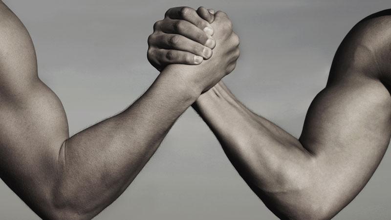 2-guys-arm-wrestling